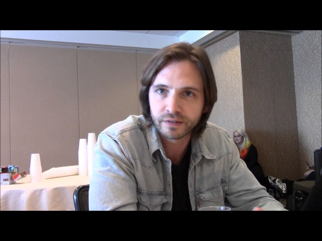 12 Monkeys Aaron Stanford Interview, Season 4 (Comic Con)