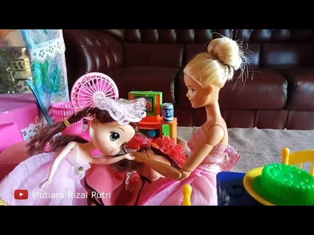 Barbie Masak Beneran Masak Indomie Goreng Enak Banget Youtube