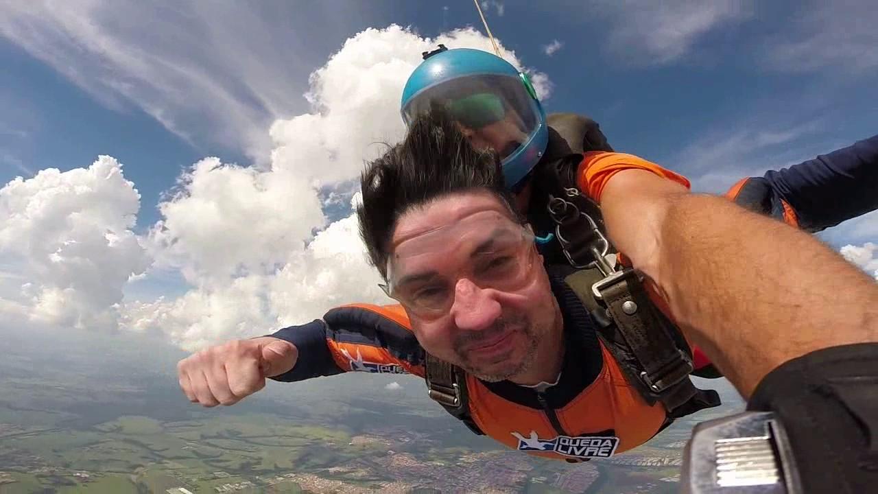 Salto de Paraquedas do Valdir na Queda Livre Paraquedismo 28 01 2017