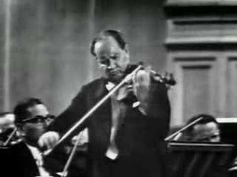 David Oistrakh plays Tchaikovsky Violin Concerto (2nd Mov )
