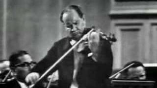 David Oistrakh plays Tchaikovsky Violin Concerto (2nd Mov.)