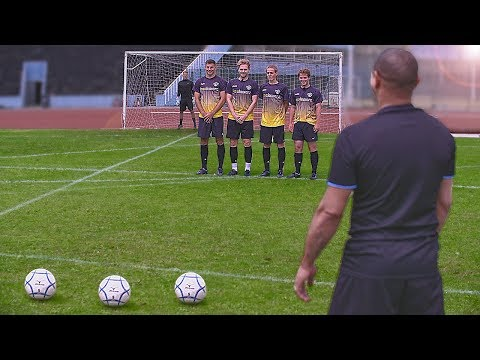 Free Kick Shooting Tutorial w/ ROBERTO CARLOS