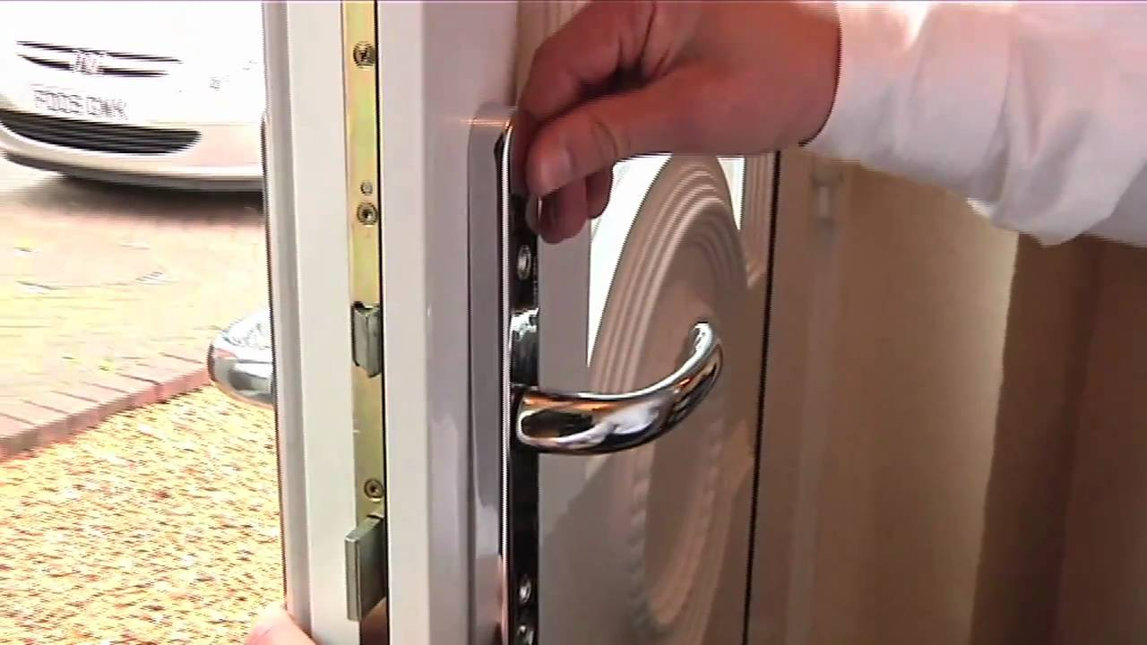 How to fit a Yale PVCu replacement door handle - YouTube