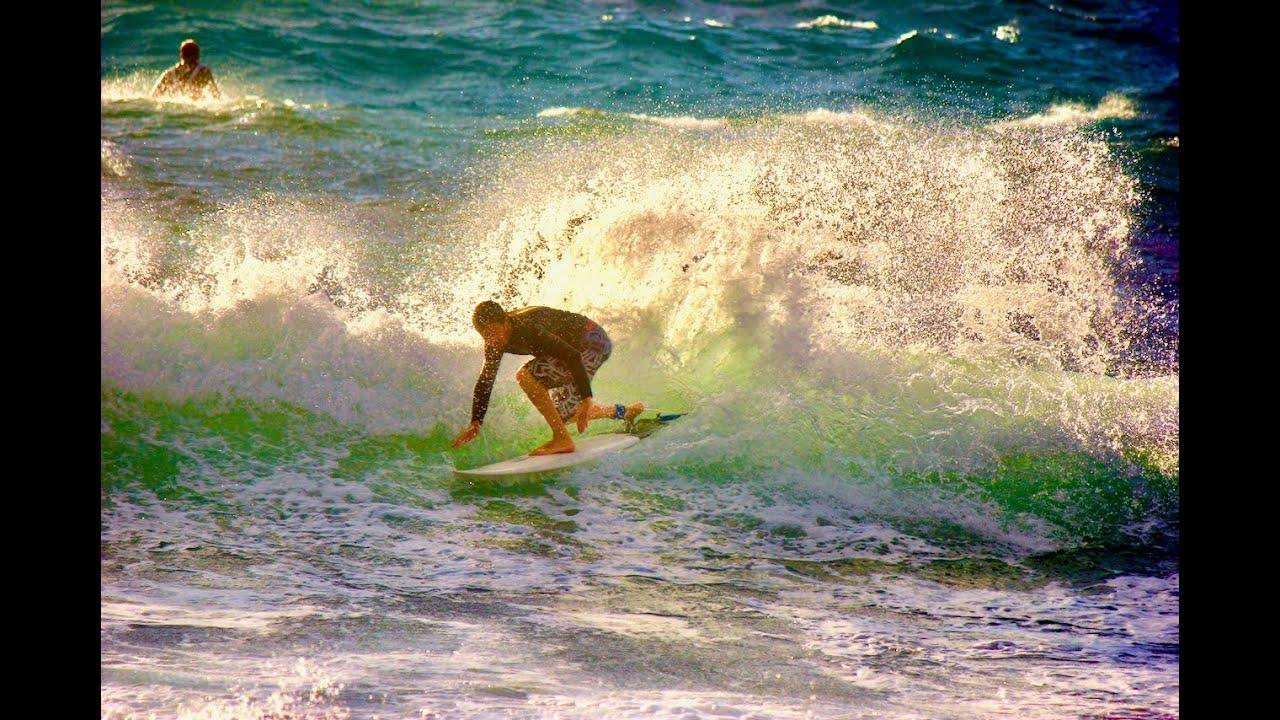 Surfer en corse