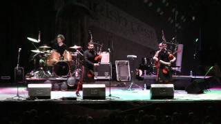Red Hot Chilli Pipers - Chasing Cars