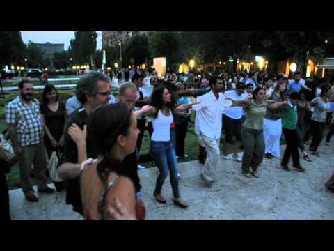 Mob Dancing, Cascade Yerevan 3