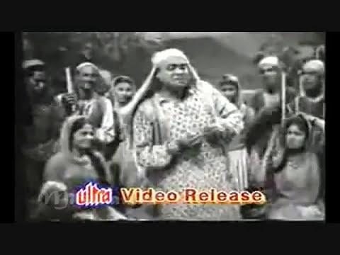 hamen to loot liya husn waalo ne..Ismail Azad- Shevan Rizvi- Bulo C Rani- Al Hilali1958: Song :Hamen to loot liya mil ke husn walon ne.. Film : Al Hilali,1958, Lyrics By: Shevan Rizvi,[Story, Screenplay & Dialogues], Music Director: Bulo C Rani, Cast: Mahipal, Shakeela, Hiralal, Sheikh, Indra, Ram Kumar, Indira, Director: Ram Kumar , Producer: Akkoo Productions,  Lyrics :-  hamen to loot liyaa mil ke husn waalon ne kaale-kaale baalon ne, gore-gore gaalon ne hamen to loot liyaa mil ke husn waalon ne kaale-kaale baalon ne, gore-gore gaalon ne  nazar mein shokhiyaan aur bachpanaa sharaarat mein adaayen dekh ke ham phans gaye mohabbat mein ham apni jaan se jaayenge jinki ulfat mein yaqeen hai ki na aayenge wo hi maiyyat mein Khuda sawaal karegaa agar qayaamat mein to ham bhi kah denge, ham lut gaye sharaafat mein hamen to loot liyaa mil ke husn waalon ne kaale-kaale baalon ne, gore-gore gaalon ne hamen to loot liyaa mil ke husn waalon ne kaale-kaale baalon ne, gore-gore gaalon ne  wahin-wahin pe qayaamat ho wo jidhar jaayen jhuki-jhuki huyi nazron se kaam kar jaayen tadaptaa chhod den raste mein aur guzar jaayen sitam to ye hai ki dil le len aur mukar jaayen samajh mein kuchh nahin aataa ki ham kidhar jaayen yahi iraadaa hai ye kahke ham to mar jaayen hamen to loot liyaa mil ke husn waalon ne kaale-kaale baalon ne, gore-gore gaalon ne hamen to loot liyaa mil ke husn waalon ne kaale-kaale baalon ne, gore-gore gaalon ne  wafaa ke naam pe maaraa hai bewafaaon ne ki dam bhi ham ko na lene diyaa jafaaon ne Khudaa bhulaa diyaa in husn ke Khudaaon ne mitaa ke chhod diyaa ishq ki khataaon ne udaaye hosh kabhi zulf ki hawaaon ne hayaa ne naaz ne lootaa kabhi adaaon ne hamen to loot liyaa mil ke husn waalon ne kaale-kaale baalon ne, gore-gore gaalon ne hamen to loot liyaa mil ke husn waalon ne kaale-kaale baalon ne, gore-gore gaalon ne  hamen to loot liyaa mil ke husn waalon ne kaale-kaale baalon ne, gore-gore gaalon ne  hazaaron lut gaye nazron ke ik ishaare par hazaaron bah gay