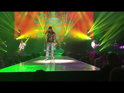 Poison Talk Dirty To Me-Grand Rapids Michigan Van Andel arena 2017