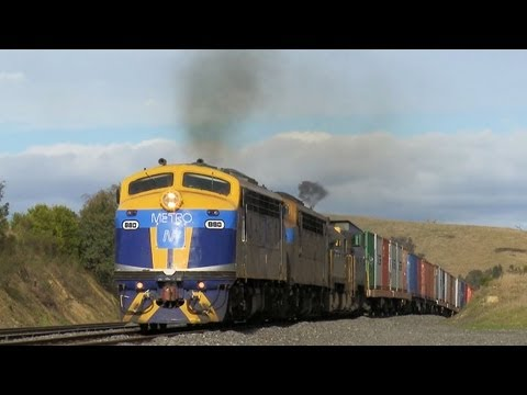 Classic EMD Diesel Locomotives Charge Upgrade - PoathTV Australian Railways & Trains