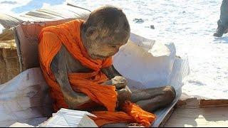 �������� ���� Двухсотлетняя мумия монаха жива! ������