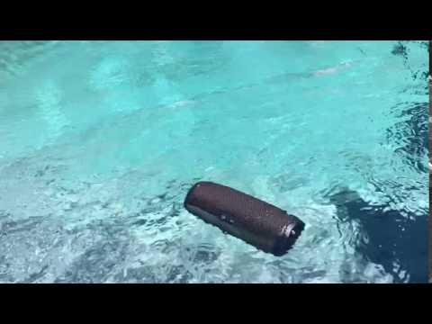 Dropping the JBL Charge 3 Waterproof Speaker in the Pool