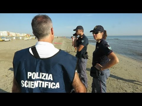 Stuprata davanti al marito, orrore sulla spiaggia di Rimini. Ricercati gli aggressori