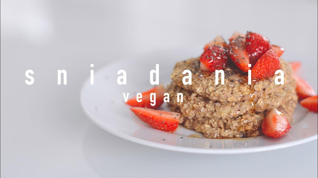 Wegańskie Śniadania: Omlet, Pieczone Naleśniki i Zielone Smoothie