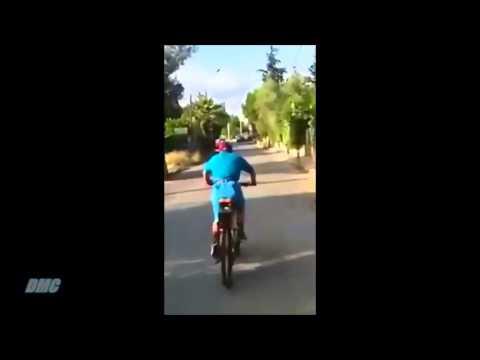 Κανε στην ακρη ρε μαλακα Τρελος με ποδηλατο
