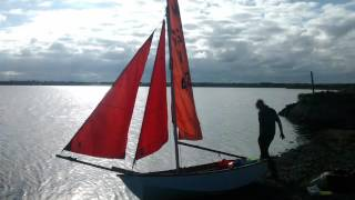mirror dinghy cutter rig - great light wind performance !