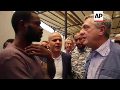 UN refugee chief meets detained migrants in Libya