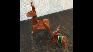 クリスマスシリーズ 第3弾 折り紙で作るトナカイです。 2枚の折り紙で折...