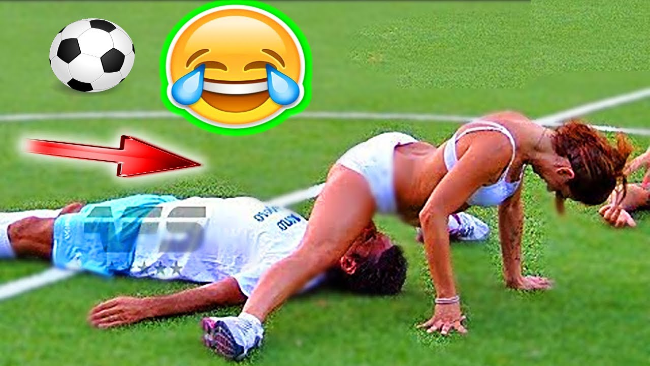 Download FOOTBALL FUNNY VIDEOS #80 WOMEN SOCCER GIRLS FAILS COMIC MOMENTS VINES 2017 Goals l Skills