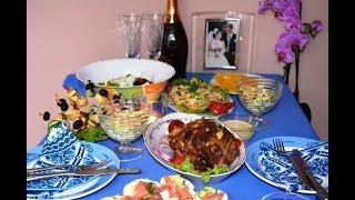 Мини праздничный стол. С рецептом домашней филадельфии