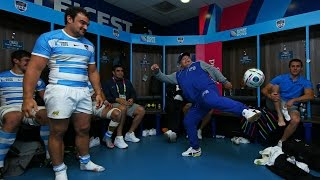 Diego Maradona does keepie uppies with a rugby ball!