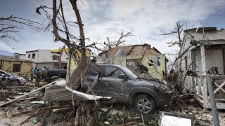 HURRICANE MARIA 185 MPH WINDS, FOOTAGE, DAMAGE, CAUGHT ON CAMERA