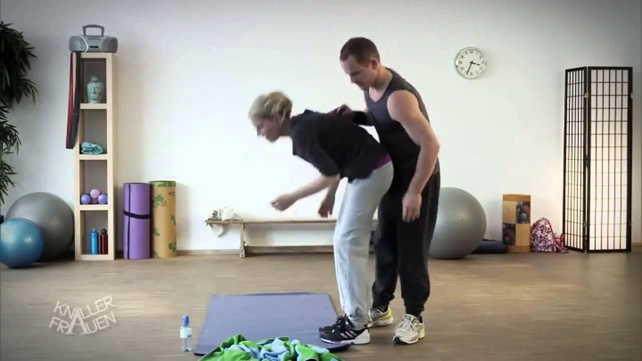 Funny Yoga Training - Youtube
