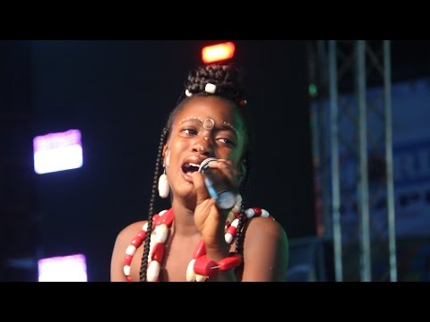 "THIS YOUNG GIRL STOLE THE SHOW @ DR IFEANYI UBA""S ANAMBRA YOUTHS FIESTA"