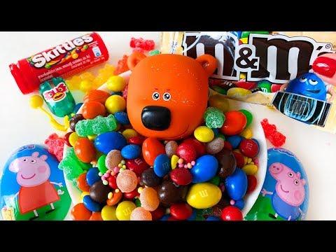 Мишки мультики с игрушками Новая серия Кеша принимает необычную ванну с игрушками