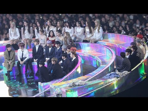 BTS, BLACKPINK Reaction to 'Dance War' (   ) 4K  by