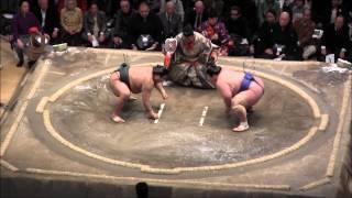 琴奨菊 vs 高安の取組。2015初場所6日目。現地オリジナル撮影。 Grand S...