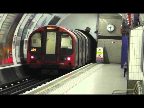 Central Line 1992TS 91011 Departing Chancery Lane