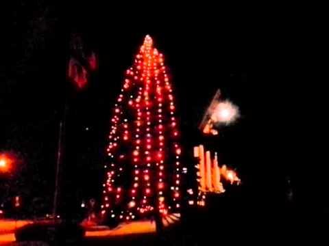 christmas big bulbs tree lights hanging 2012