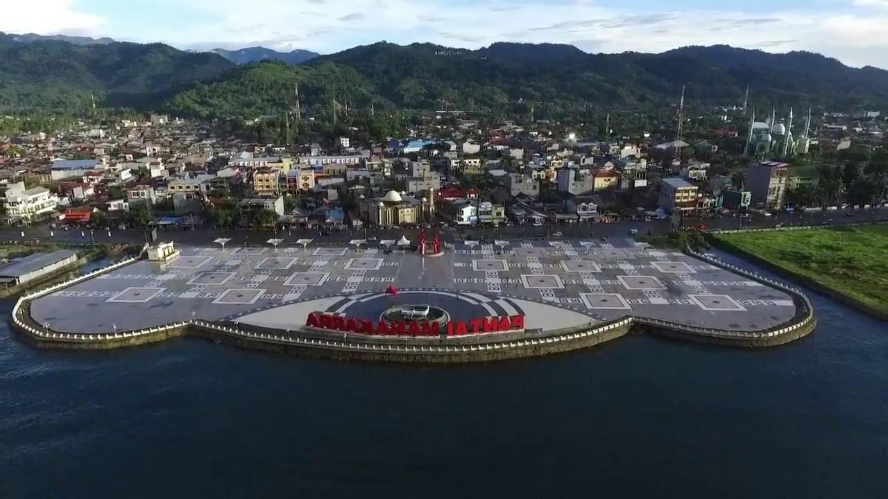 Pantai Manakara, Mamuju, Sulawesi Barat | Youtube