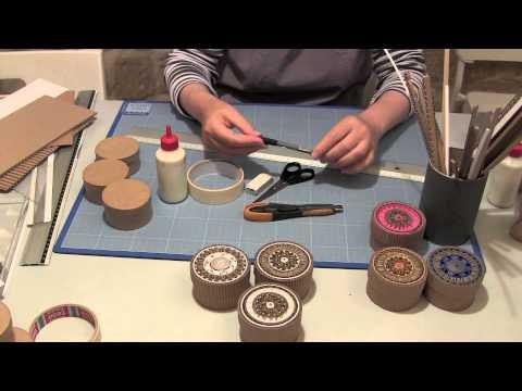Comment faire des boites en marqueterie de carton youtube - Fabriquer un chandelier en carton ...