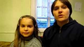 Семья Бровченко. Как закладывать мазь в глаза ребенку при коньюктивите.