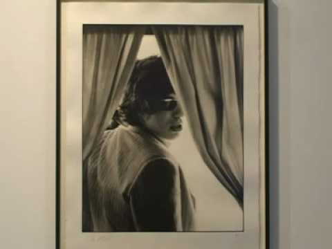 Paul McCartney expone antología de fotos de su mujer, Linda Eastman   Univision com Buscar Videos
