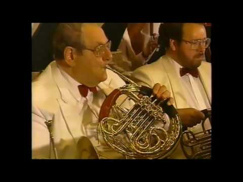 John Williams conducts Jurassic Park 1993 - Boston Pops
