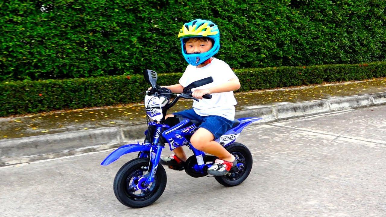 멋진 자전거가 생겼어요! 예준이의 키즈 바이크 자전거 타요 버스 공구 수리놀이 플레이하우스 놀이터 Kids Dirt Bike Tayo Bus Power Wheel