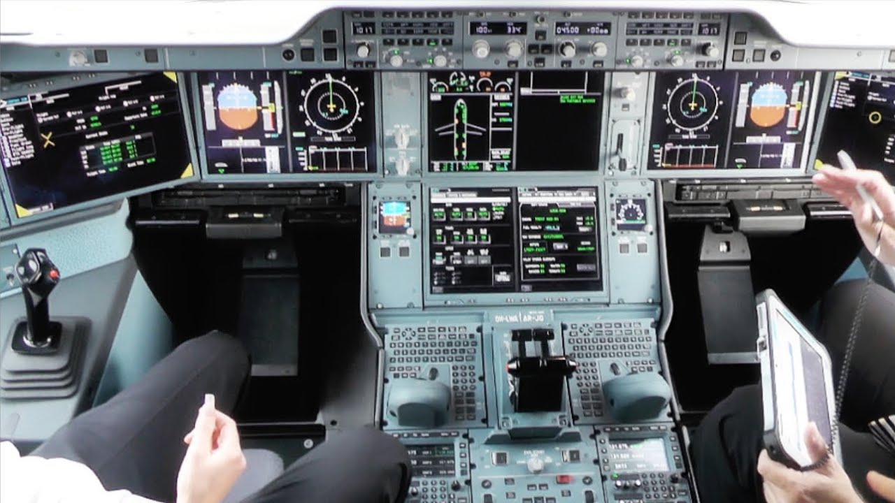 Airbus A350-1000 Cockpit, Soon to Get Touch Screen Monitors  - Newfoxy