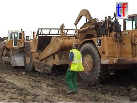 HEAVY EARTHWORKS: Caterpillar D8R & 631E Fleet / A 11, Angers, France, 05.07.2005.