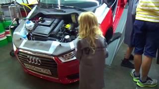 Урок у автомеханика Девочка в 6 лет меняет масло!