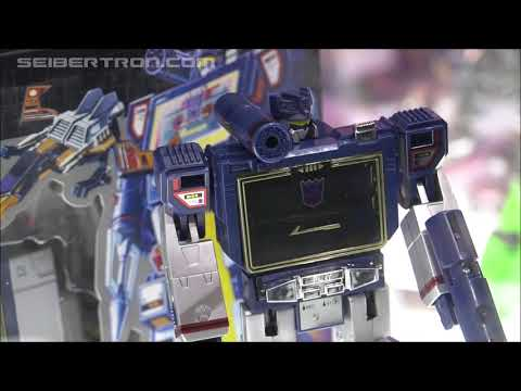Transformers G1 Reissues Soundwave and Cassettes shown at SDCC 2019