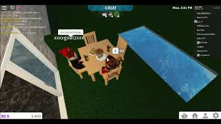 Play with my friend named Goat... ROBLOX Bloxburg (Roblox Malaysia)