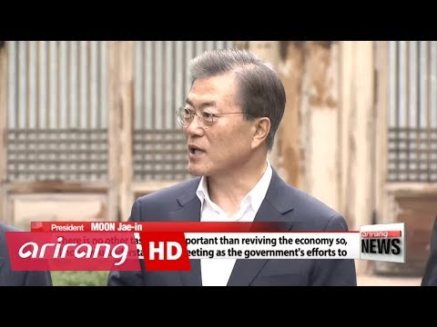 South Korean president and top business leaders discuss job creation=