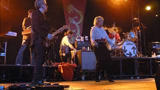 BLONDIE RULES FOR LIVING PLYMOUTH PAVILIONS WEDNESDAY 9TH JUNE 2004