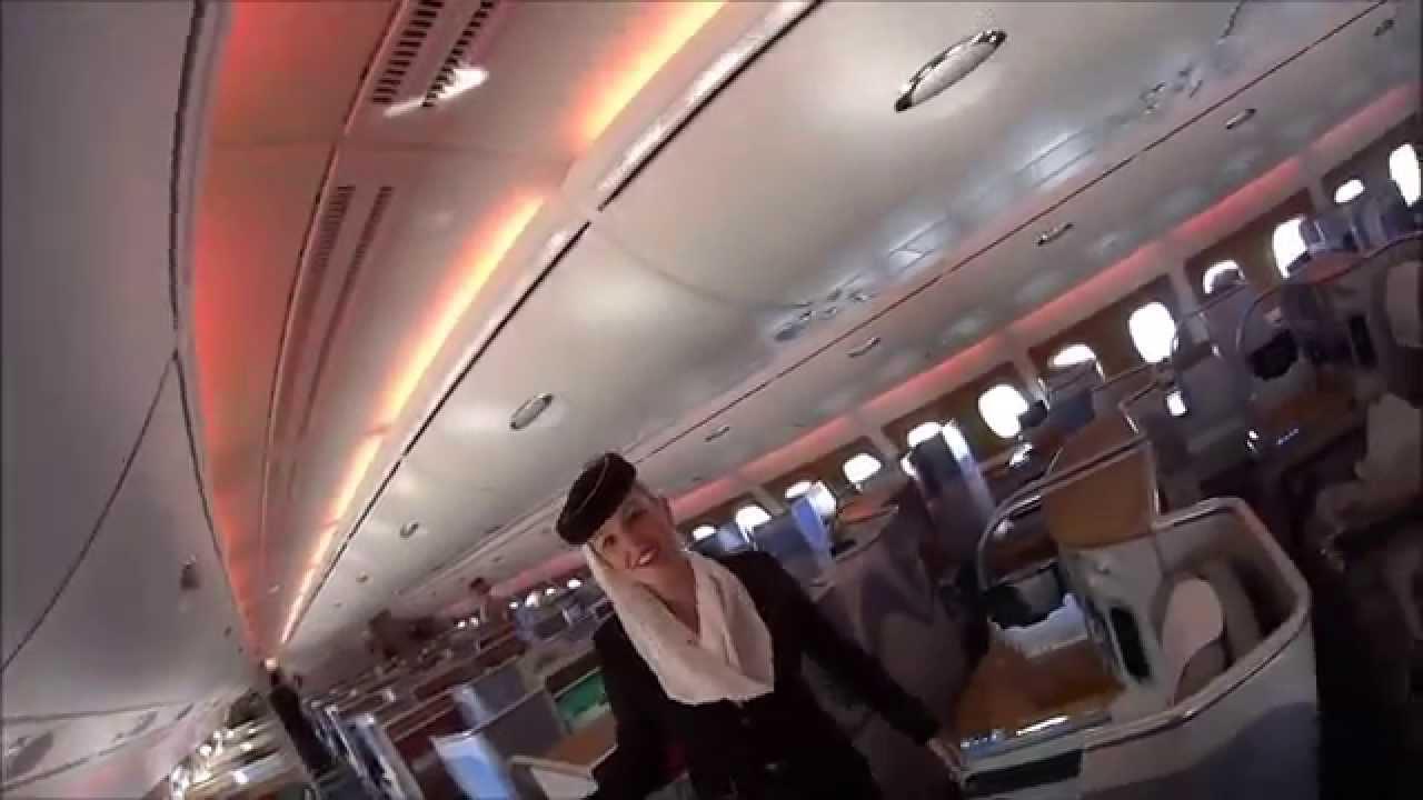 Самый большой пассажирский лайнер в мире - Аэробус А380 - YouTube