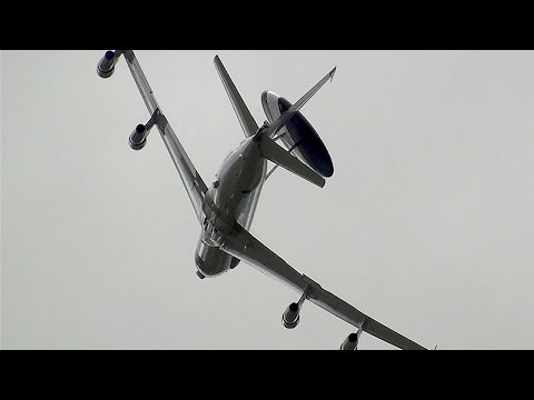 Dramatic E-3 AWACS
