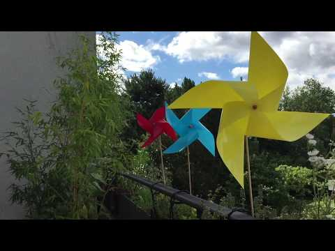 Ein buntes Windrad für den Garten