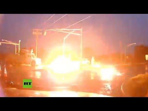 Fuerte explosión de un cable de alta tensión en una carretera de Nueva Jersey