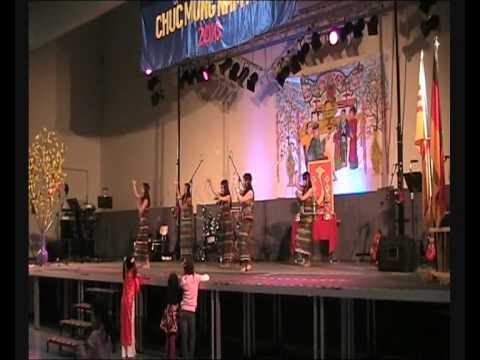 HMV Chieu Len Ban Thuong (Tet 2010 New Year Festival)
